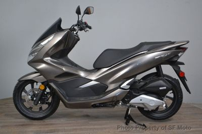 2019 Honda PCX150  - Click to see full-size photo viewer