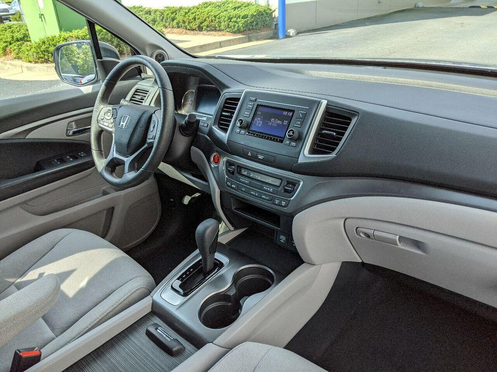 2019 Honda Pilot LX 2WD - 18210000 - 31