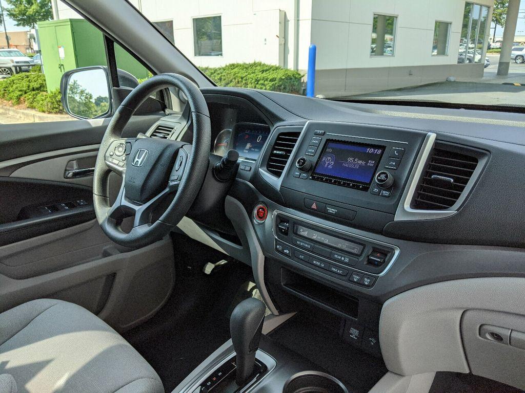 2019 Honda Pilot LX 2WD - 18210000 - 32