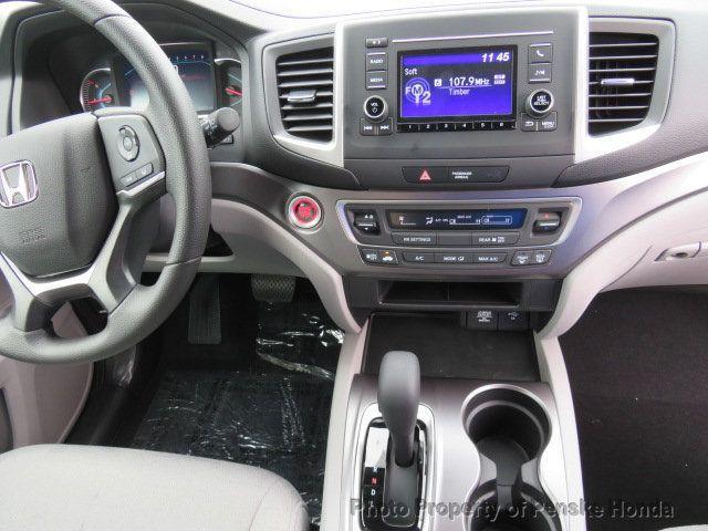 2019 Honda Pilot LX AWD - 19012824 - 24