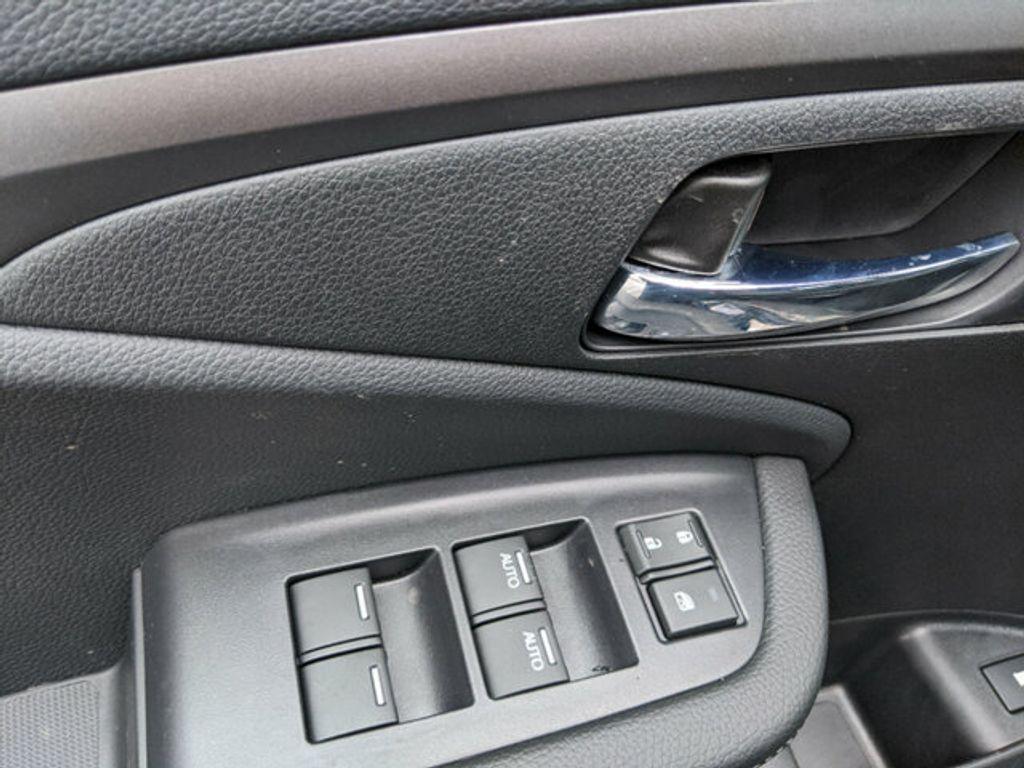 2019 Honda Ridgeline Sport AWD - 18190747 - 13