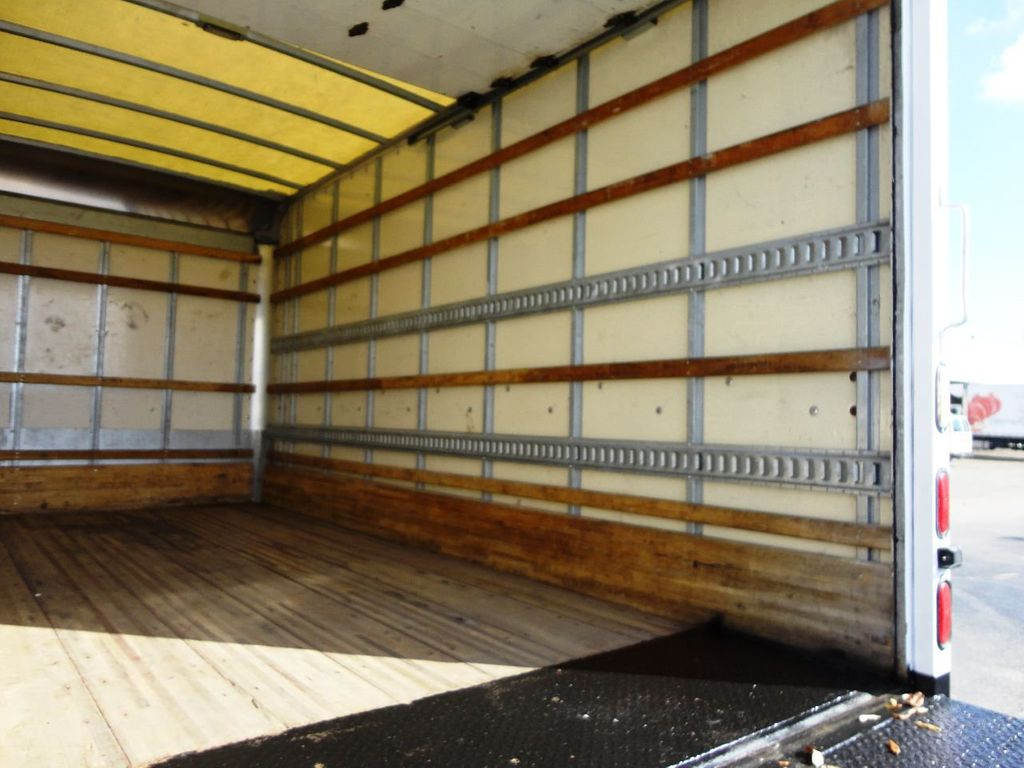 2019 Isuzu NPR HD 16FT DRY BOX.TUCK UNDER LIFTGATE BOX TRUCK CARGO TRUCK - 19500745 - 18