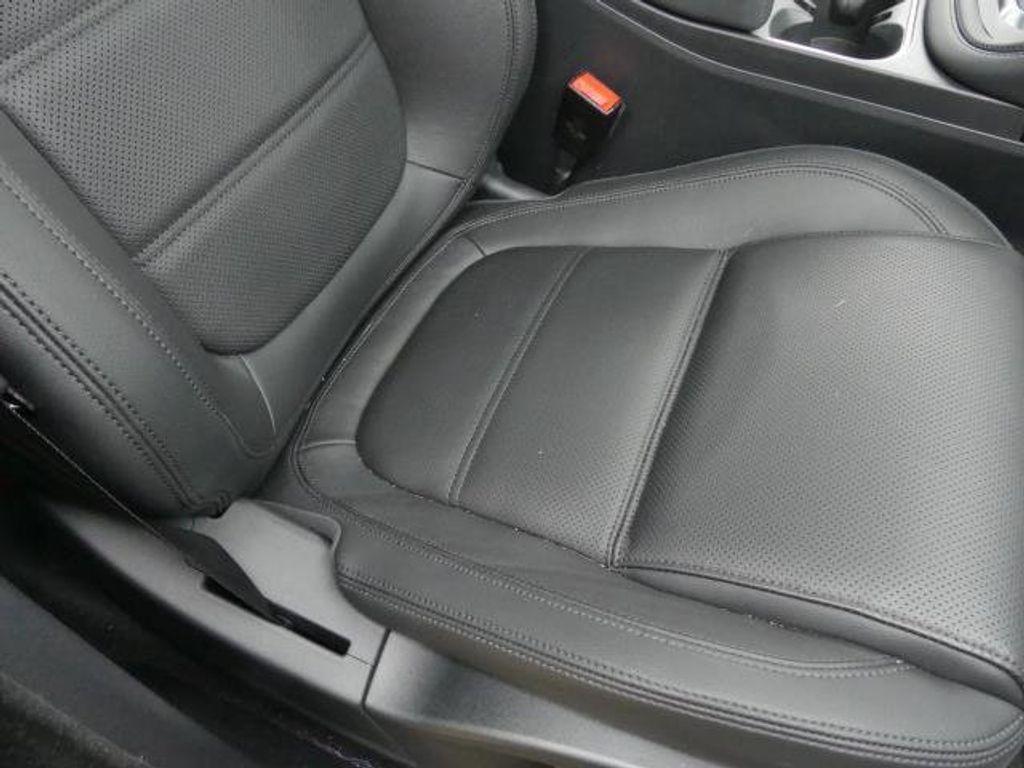 2019 Jaguar E-PACE P250 AWD SE - 18484524 - 14
