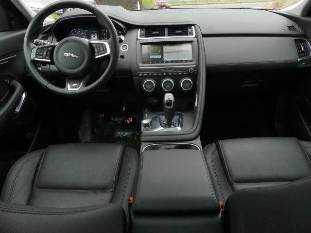 2019 Jaguar E-PACE P250 AWD SE - 18484524 - 3