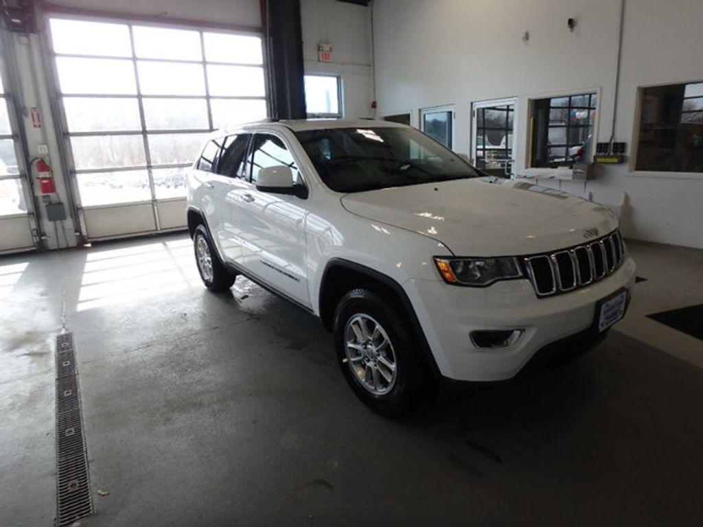 2019 Jeep Grand Cherokee Laredo E 4x4 - 18690117 - 1