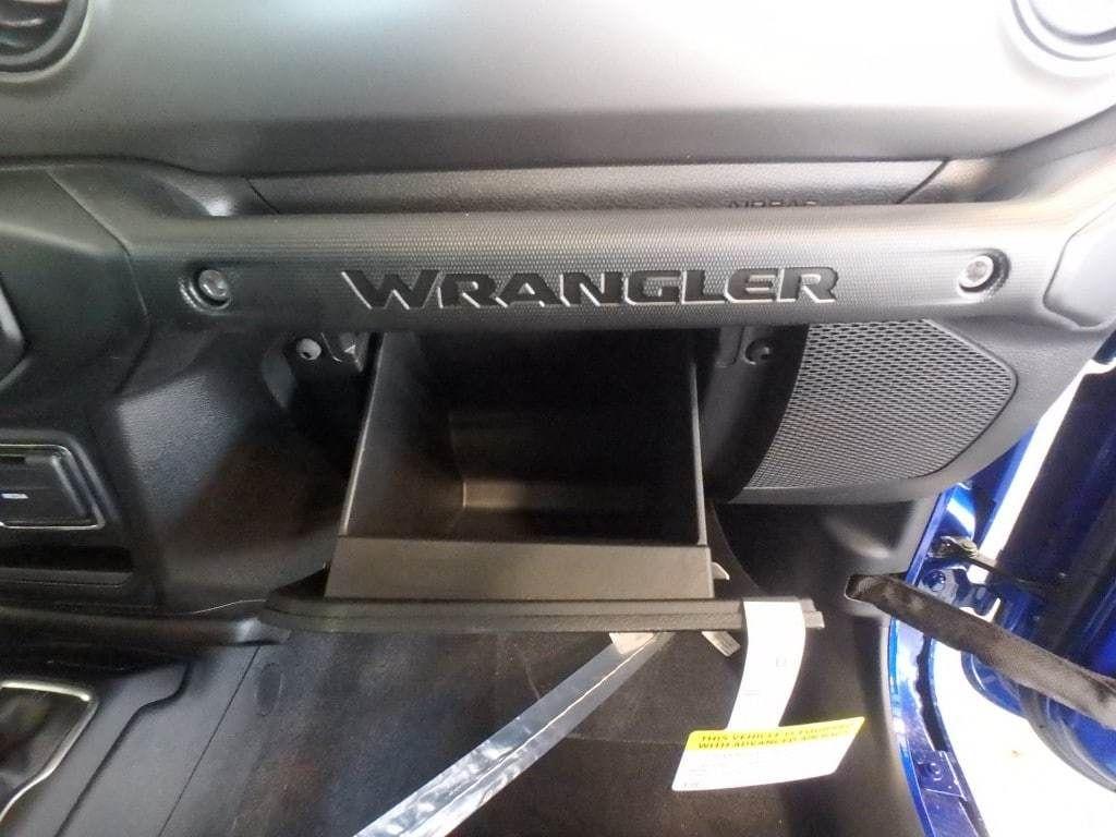 2019 Jeep Wrangler Sport S 4x4 - 18589809 - 11