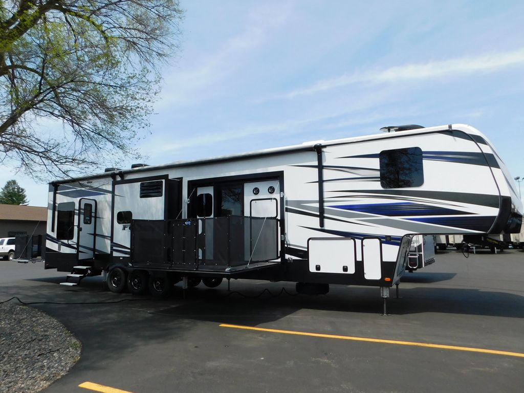 2019 Keystone Fuzion 424 Toy Hauler Triple Slide/ Side Patio - 17596684 - 1 & 2019 New Keystone Fuzion 424 Toy Hauler Triple Slide/ Side Patio at ...