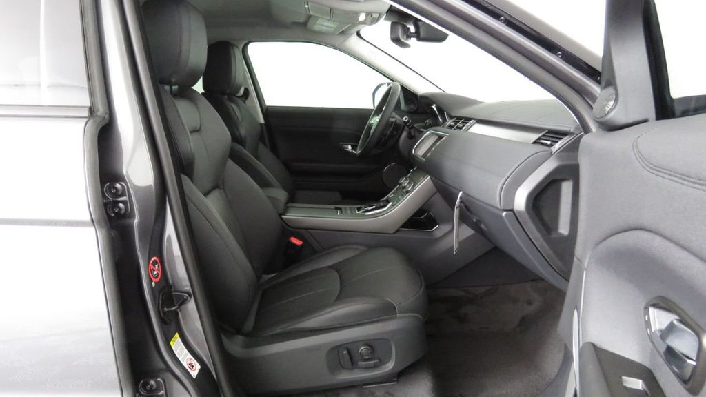 2019 Land Rover Range Rover Evoque 5 Door SE - 18671128 - 21