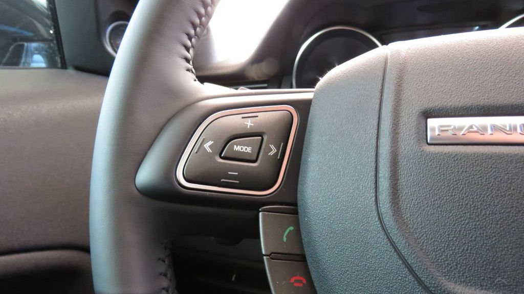 2019 Land Rover Range Rover Evoque 5 Door SE - 18677820 - 12