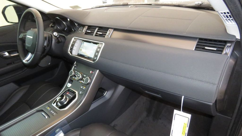 2019 Land Rover Range Rover Evoque 5 Door SE - 18677820 - 19