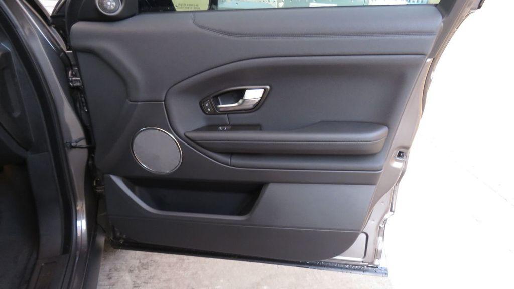 2019 Land Rover Range Rover Evoque 5 Door SE - 18677820 - 26