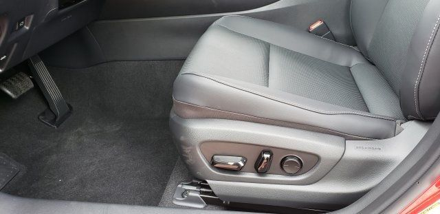 2019 Lexus UX UX 200 F SPORT FWD - 18503847 - 23