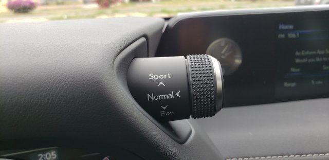 2019 Lexus UX UX 200 F SPORT FWD - 18503847 - 40