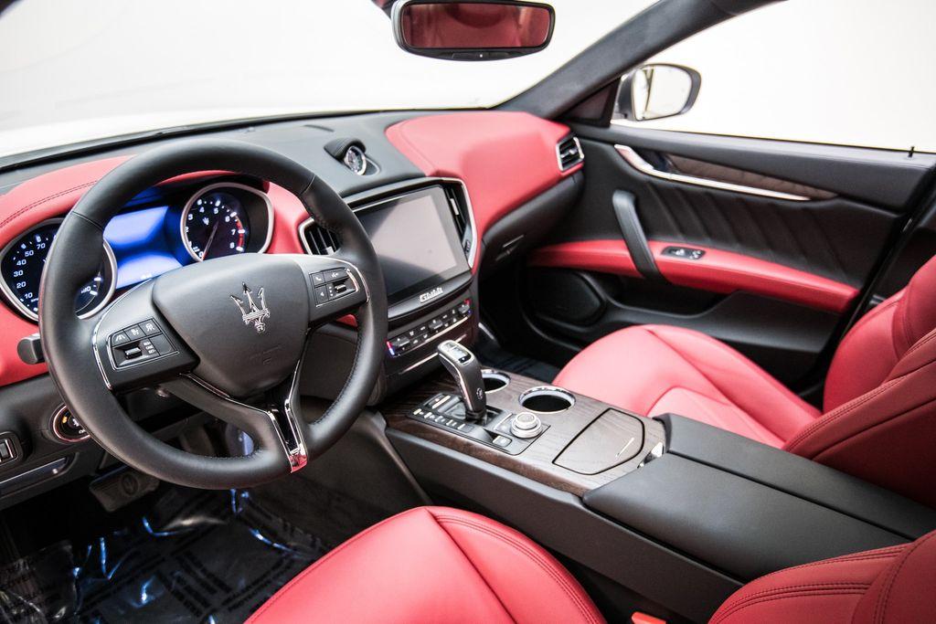 2019 Maserati Ghibli GranLusso 3.0L - 18140253 - 11