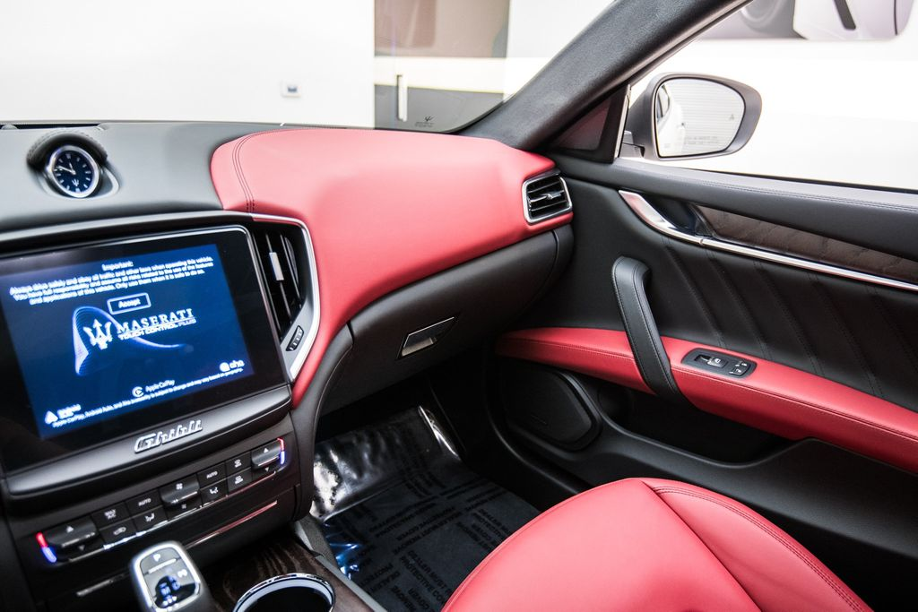 2019 Maserati Ghibli GranLusso 3.0L - 18140253 - 29