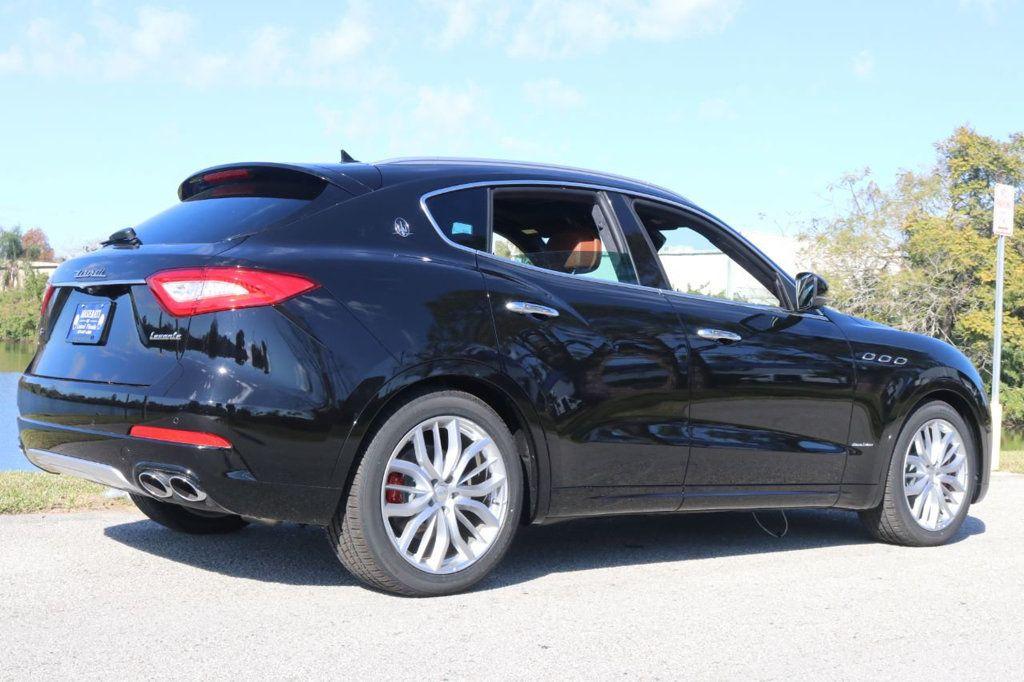2019 Maserati Levante GranLusso 3.0L - 18530209 - 10