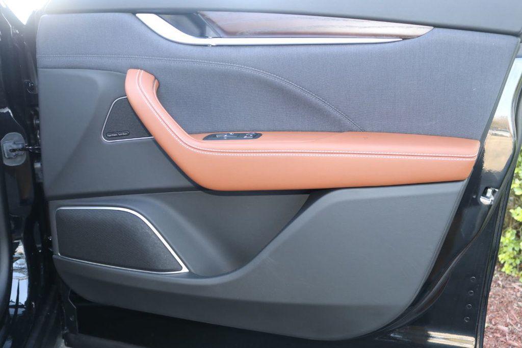 2019 Maserati Levante GranLusso 3.0L - 18530209 - 32