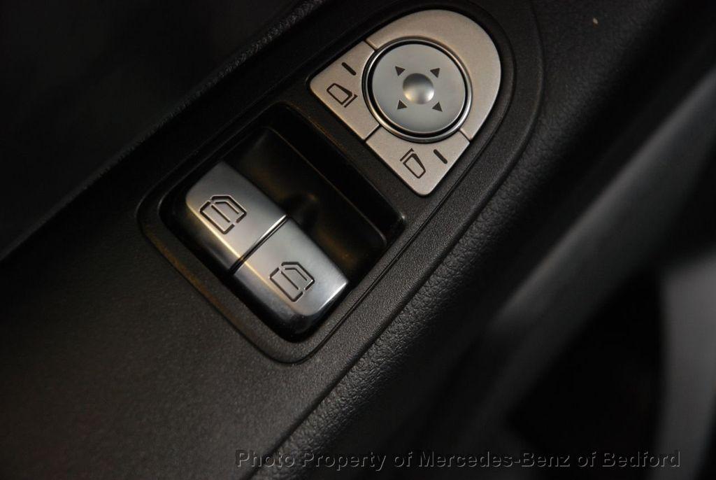 """2019 Mercedes-Benz Metris Passenger Van Metris Passenger Van Standard Roof 126"""" Wheelbase - 18354349 - 16"""