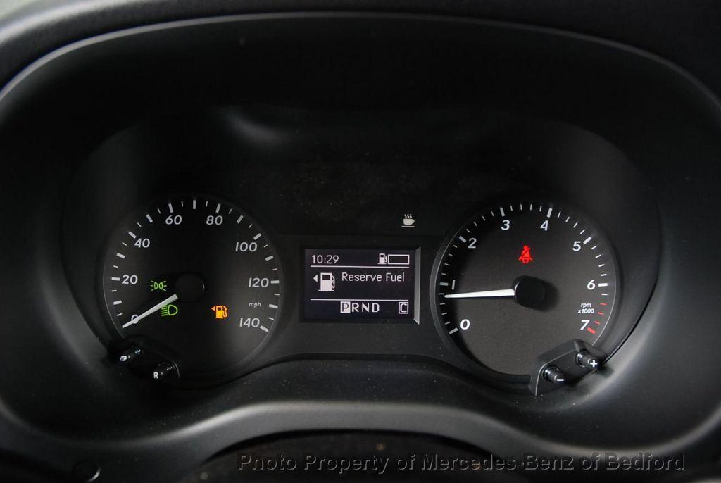 """2019 Mercedes-Benz Metris Passenger Van Metris Passenger Van Standard Roof 126"""" Wheelbase - 18354349 - 29"""
