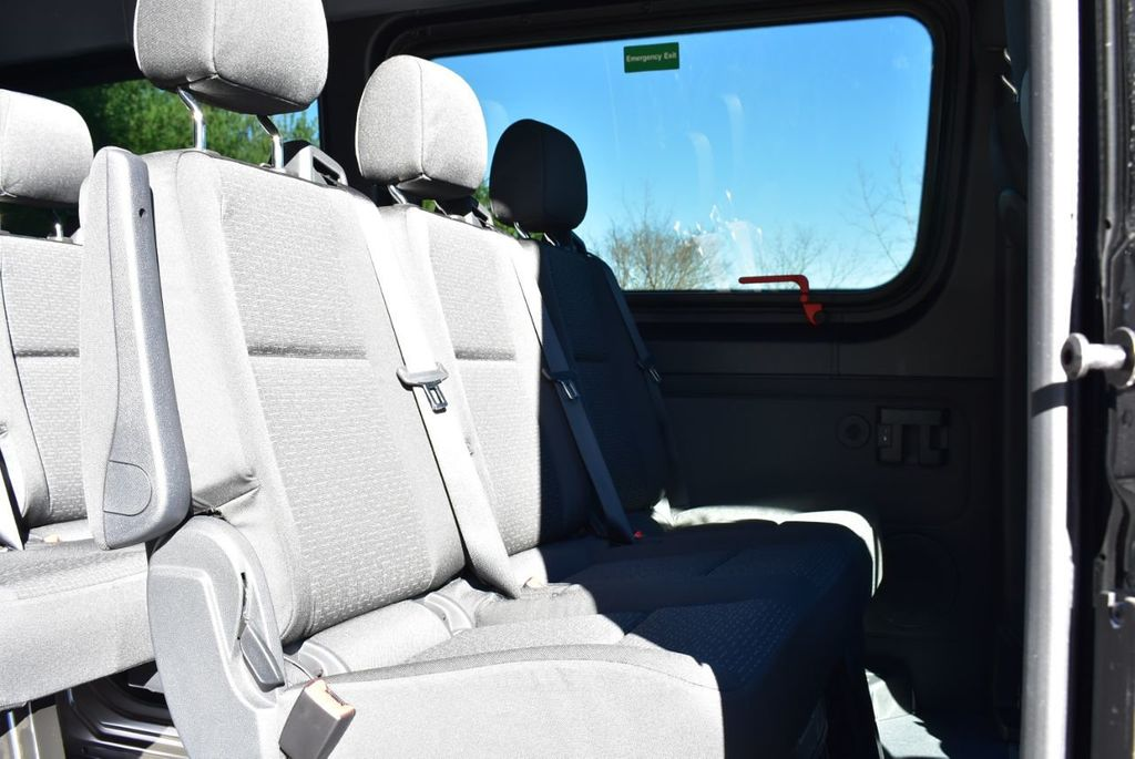 2019 Mercedes-Benz Sprinter 3500 VAN 2500 PV 144' WB 2500 PASSENGE - 18339327 - 18