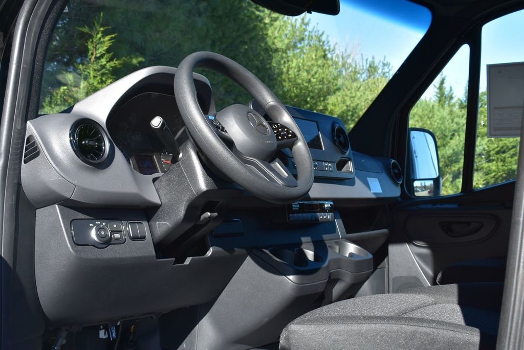2019 Mercedes-Benz Sprinter 3500 VAN 2500 PV 144' WB 2500 PASSENGE - 18339327 - 19