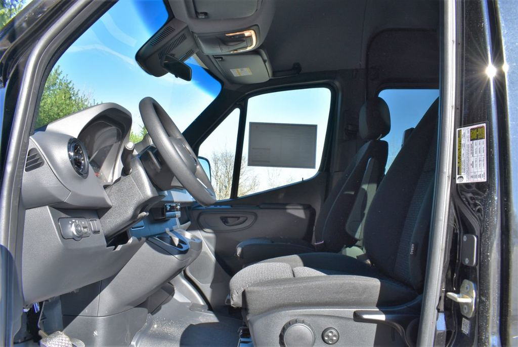 2019 Mercedes-Benz Sprinter 3500 VAN 2500 PV 144' WB 2500 PASSENGE - 18339327 - 20