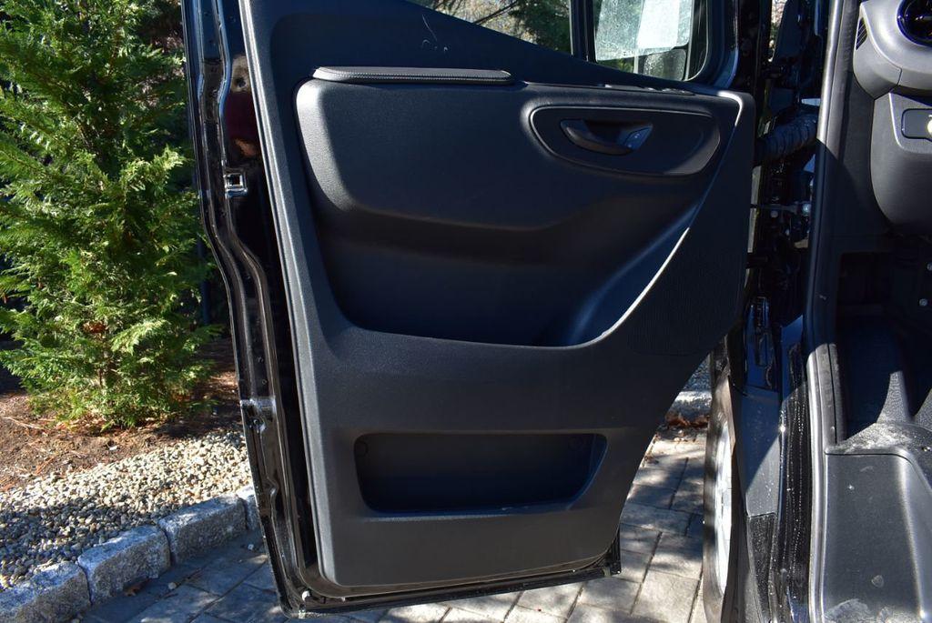 2019 Mercedes-Benz Sprinter 3500 VAN 2500 PV 144' WB 2500 PASSENGE - 18339327 - 22