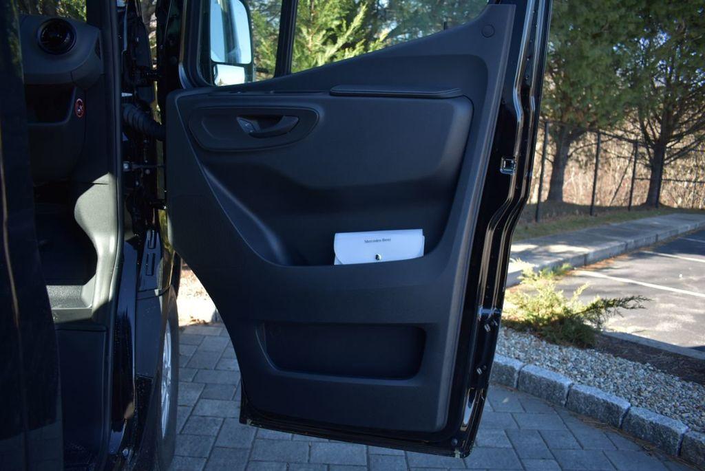 2019 Mercedes-Benz Sprinter 3500 VAN 2500 PV 144' WB 2500 PASSENGE - 18339327 - 44
