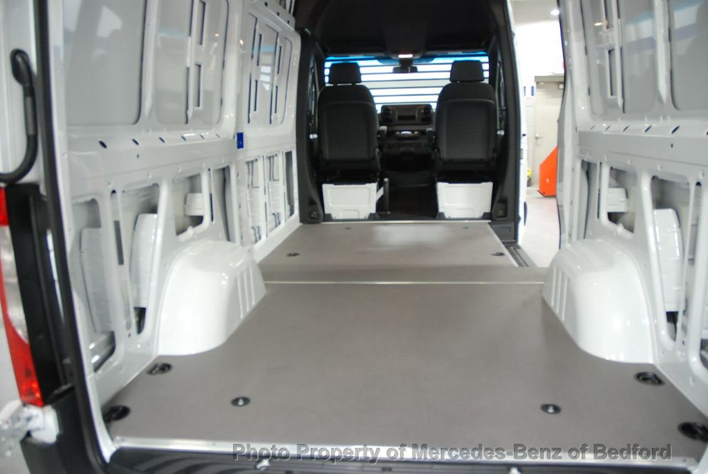 "2019 Mercedes-Benz Sprinter Cargo Van 2500 Standard Roof V6 144"" RWD - 18632143 - 17"