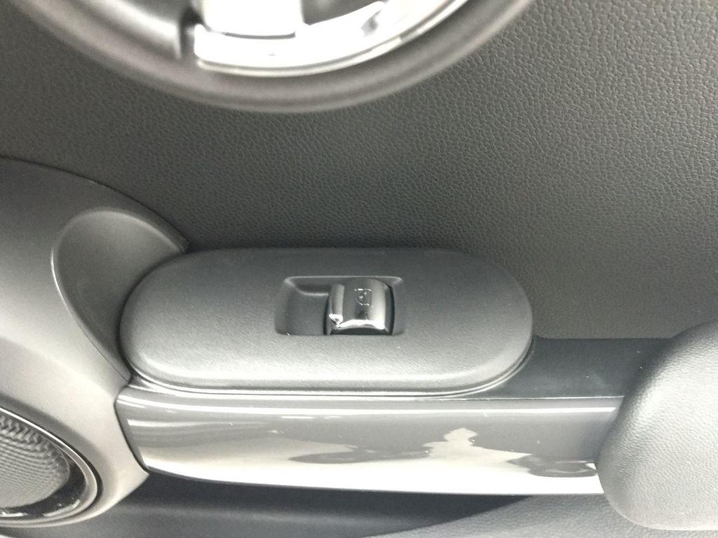 2019 MINI Cooper Hardtop 2 Door   - 18368374 - 24