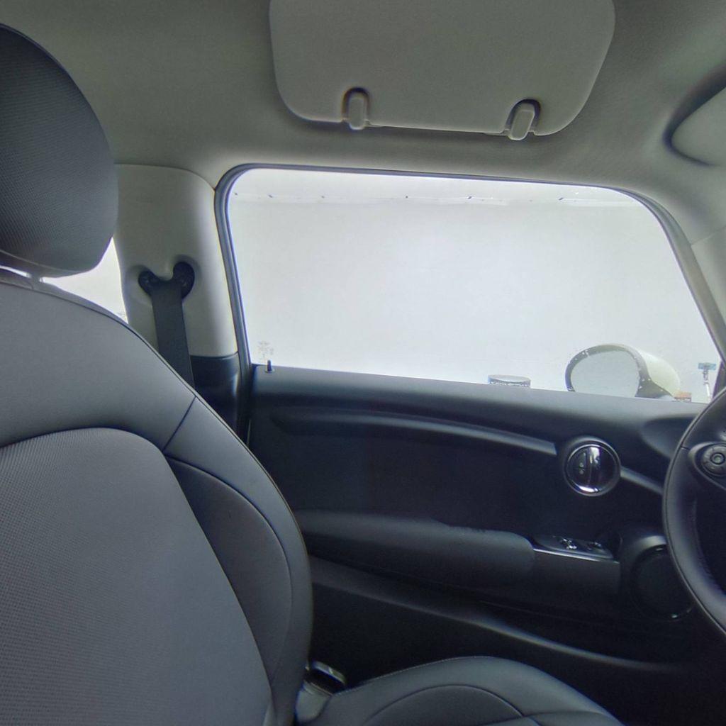 2019 MINI Cooper Hardtop 2 Door   - 18368375 - 32