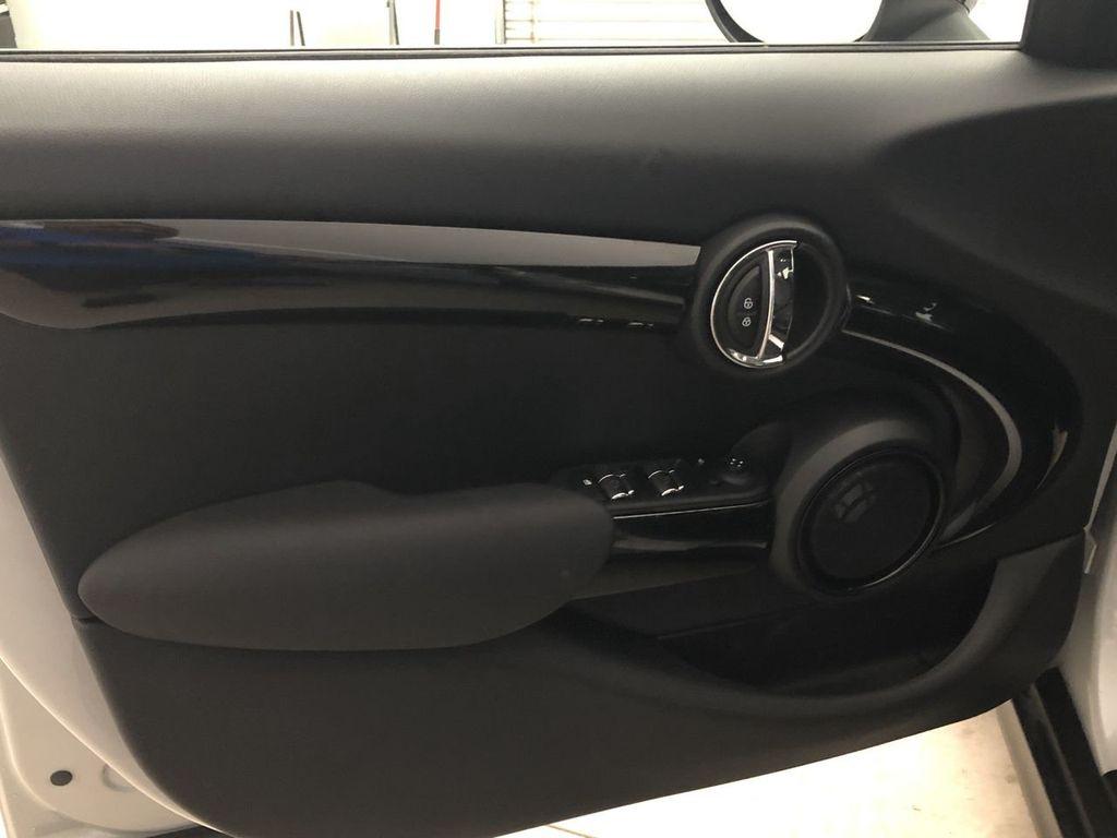 2019 MINI Cooper Hardtop 4 Door   - 18476179 - 17