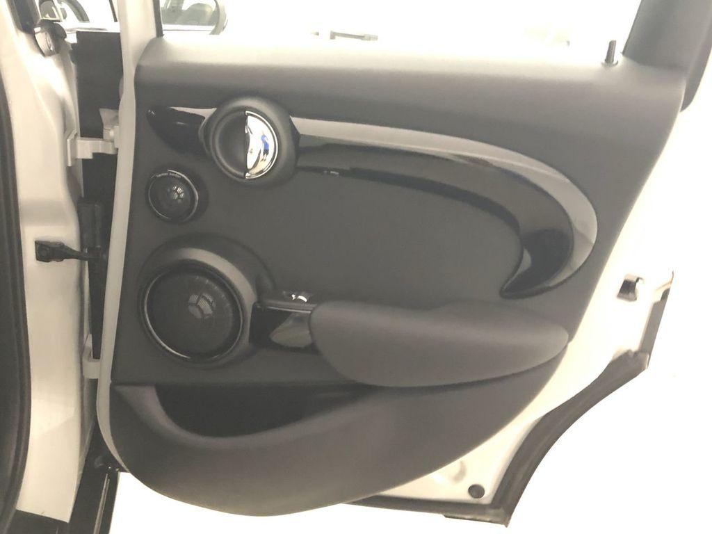 2019 MINI Cooper Hardtop 4 Door   - 18476179 - 23