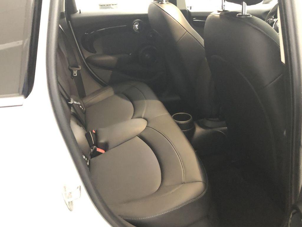 2019 MINI Cooper Hardtop 4 Door   - 18476179 - 24