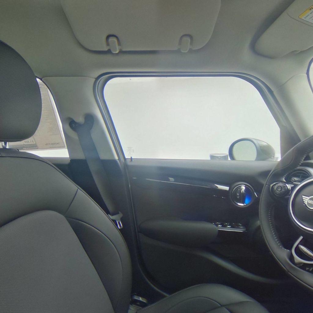 2019 MINI Cooper Hardtop 4 Door   - 18476179 - 38