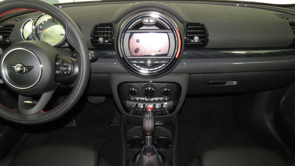 2019 MINI Cooper S Clubman COURTESY VEHICLE  - 18096757 - 12