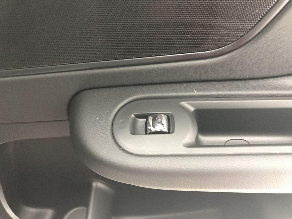 2019 MINI Cooper S E Countryman ALL4 - 17699156 - 25