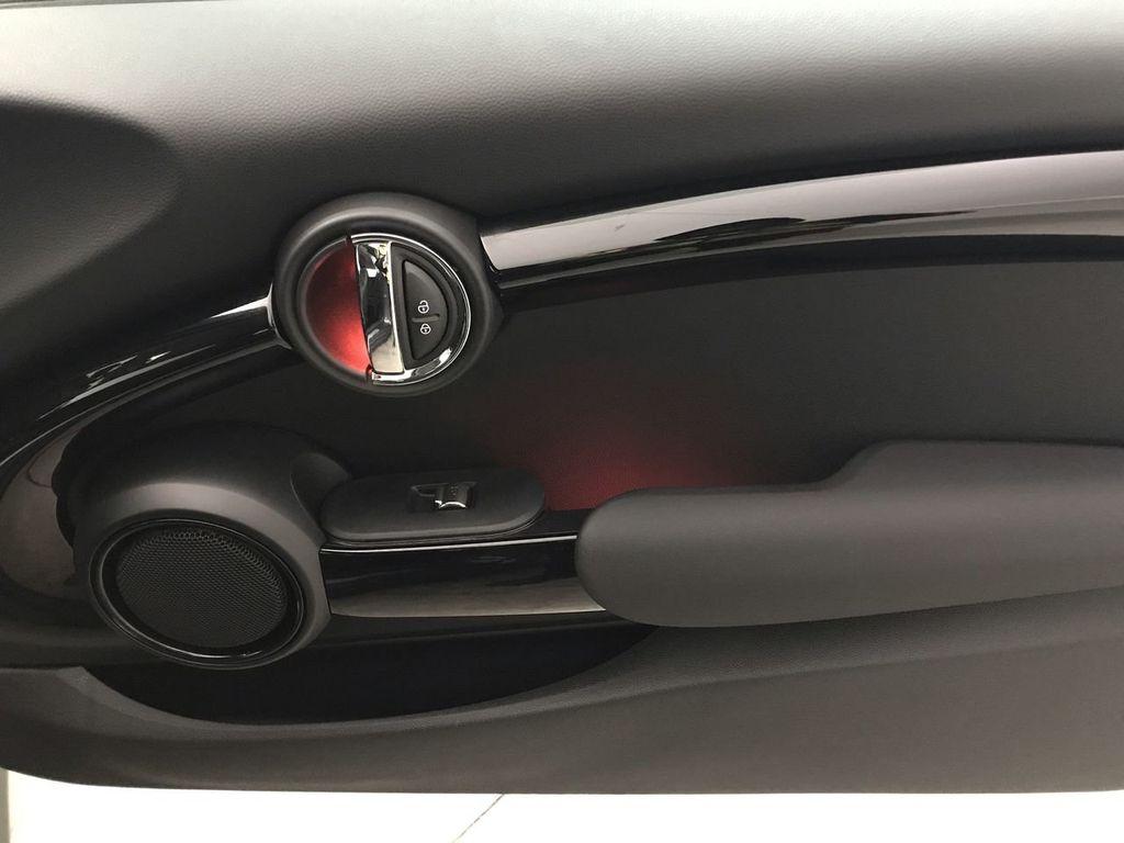 2019 MINI Cooper S Hardtop 2 Door   - 18368372 - 24