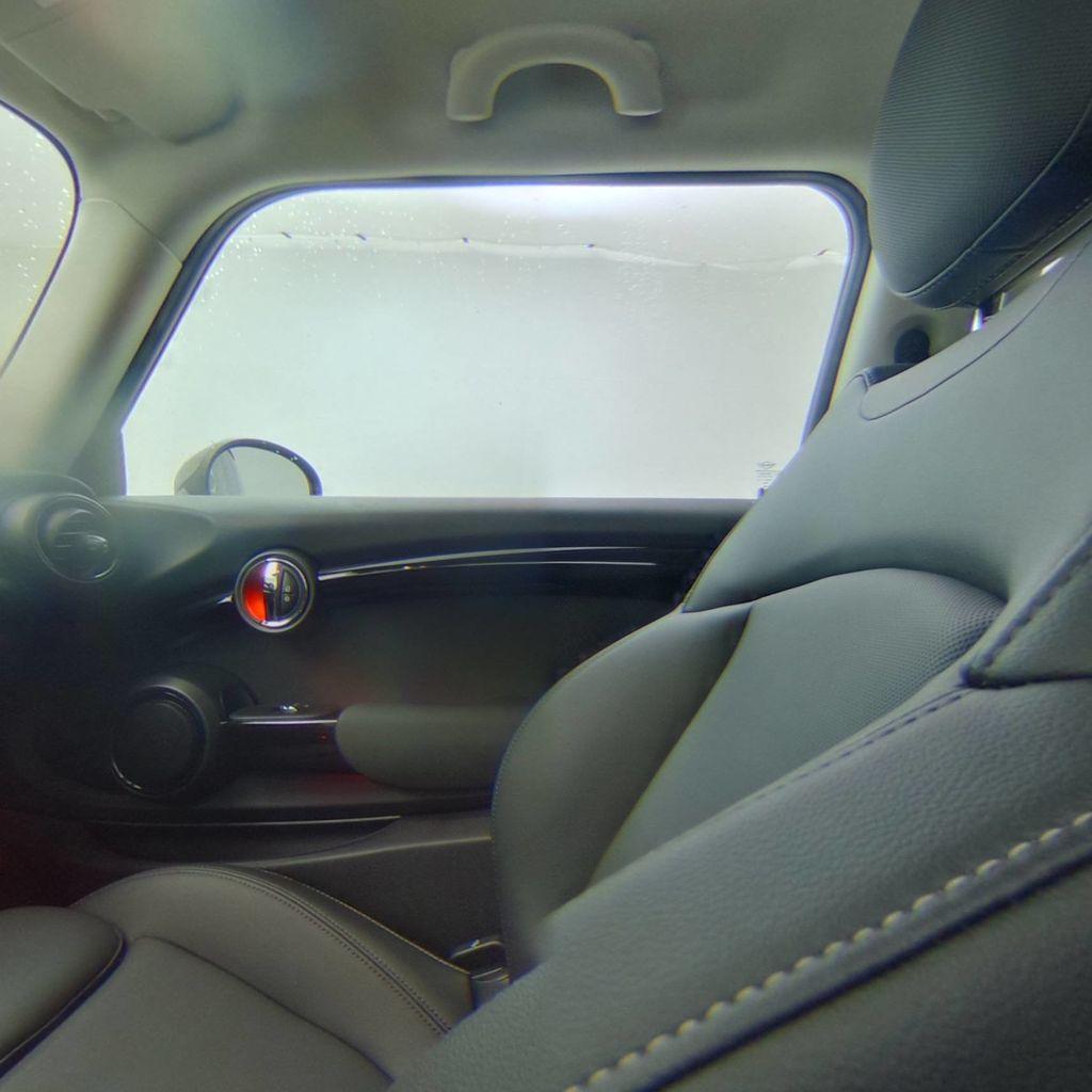 2019 MINI Cooper S Hardtop 2 Door   - 18368372 - 35