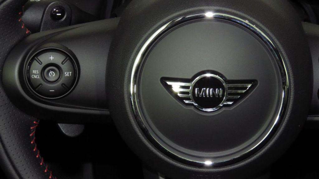 2019 MINI Cooper S Hardtop 2 Door COURTESY VEHICLE  - 18234987 - 11