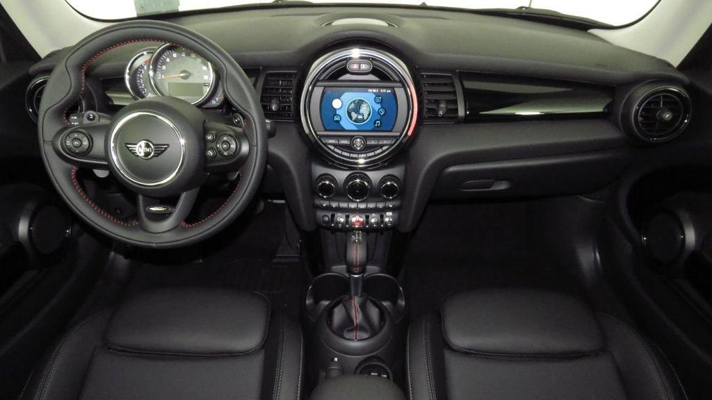 2019 MINI Cooper S Hardtop 2 Door COURTESY VEHICLE  - 18234987 - 13