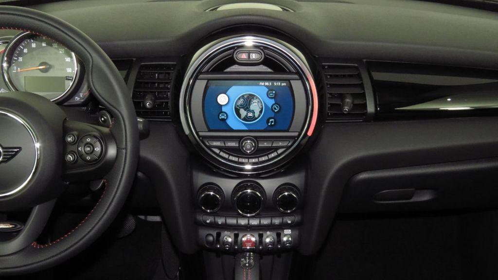 2019 MINI Cooper S Hardtop 2 Door COURTESY VEHICLE  - 18234987 - 14