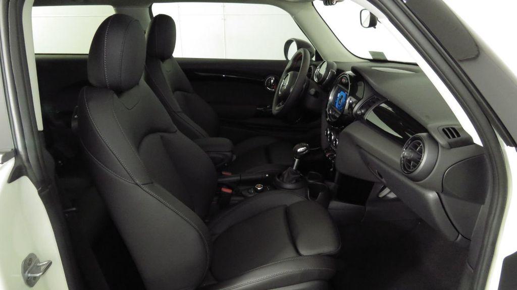 2019 MINI Cooper S Hardtop 2 Door COURTESY VEHICLE  - 18234987 - 21