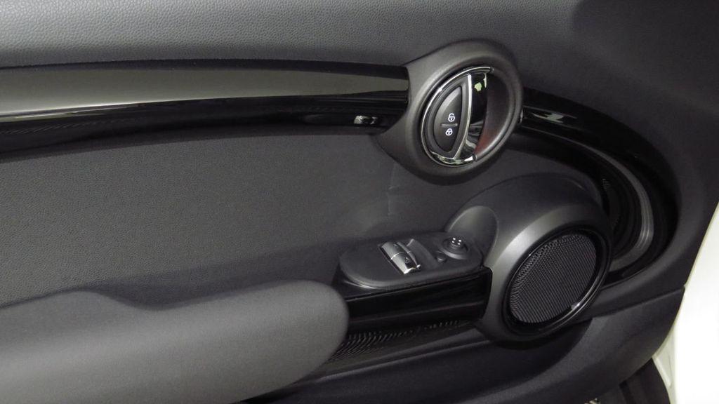 2019 MINI Cooper S Hardtop 2 Door COURTESY VEHICLE  - 18234987 - 24