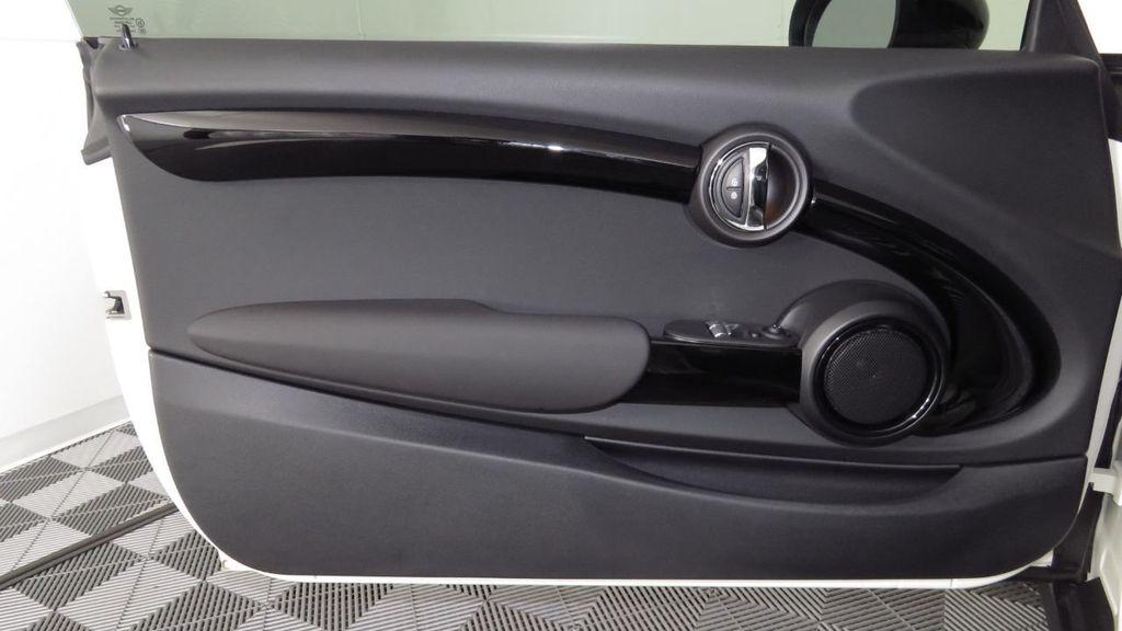 2019 MINI Cooper S Hardtop 2 Door COURTESY VEHICLE  - 18234987 - 25