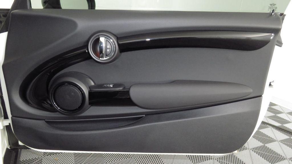 2019 MINI Cooper S Hardtop 2 Door COURTESY VEHICLE  - 18234987 - 26