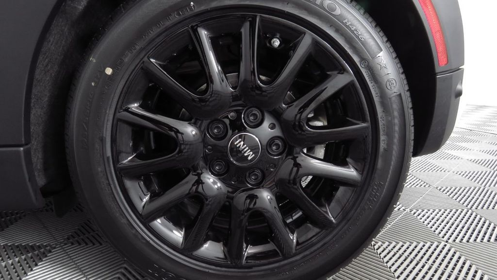 2019 MINI Cooper S Hardtop 2 Door COURTESY VEHICLE  - 18234987 - 33
