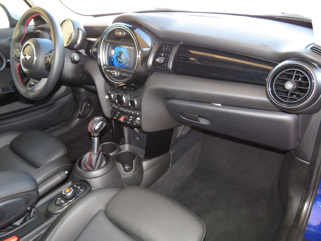 2019 MINI Cooper S Hardtop 2 Door COURTESY VEHICLE  - 18338787 - 16