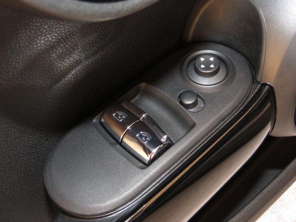 2019 MINI Cooper S Hardtop 2 Door COURTESY VEHICLE  - 18338787 - 21