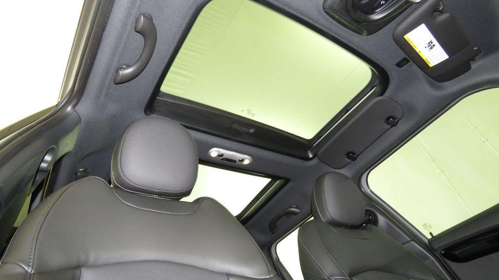 2019 MINI Cooper S Hardtop 4 Door  - 18285875 - 19